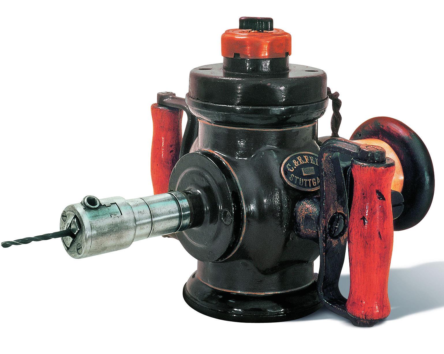 手电钻就是以交流电源或直流电池为动力的钻孔工具,是手持式电动工具