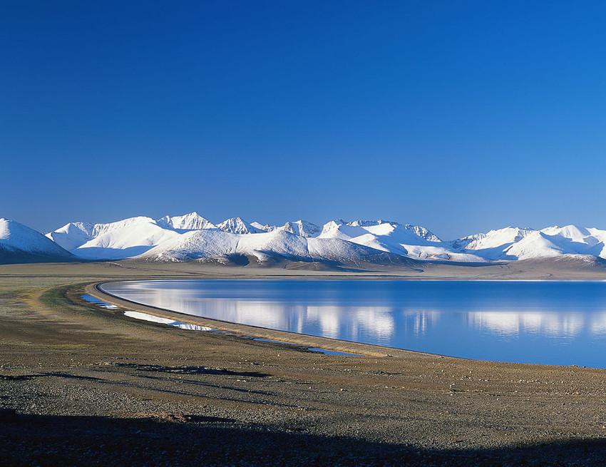 青海湖时中国最大的内陆湖泊,也是青海省名称的由来.