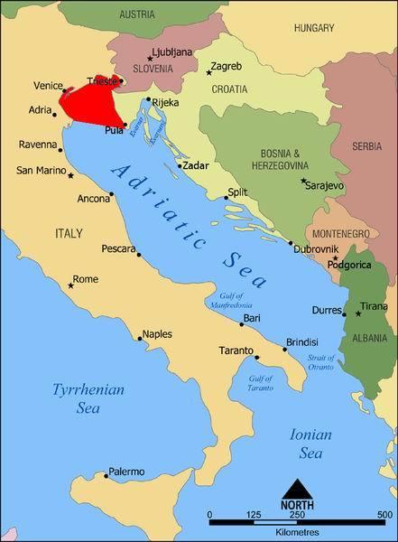 西起意大利波河三角洲,东至克罗埃西亚伊斯特拉半岛,长95公里(60哩).