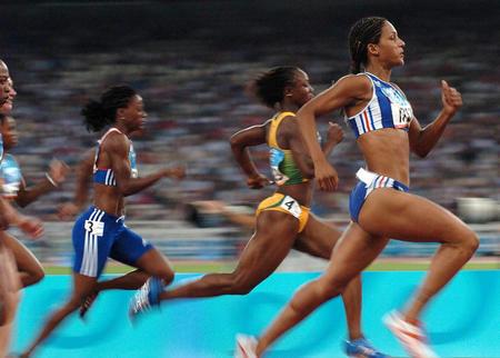 奥运会女子100米赛跑图片